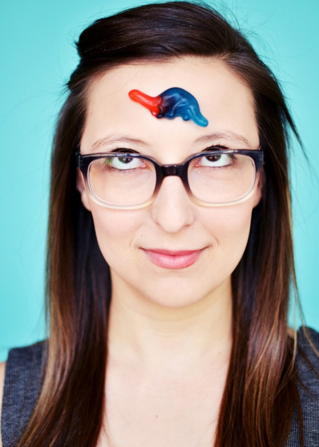 Layers: NATASHA VAYNBLAT – A 'Breakout Artist' Making It Look Easy
